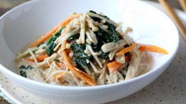 Enoki and Spinach Mayo Salad