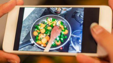 taking instagram food photo